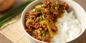 ข้าวหมูผัดซอสเกาหลี